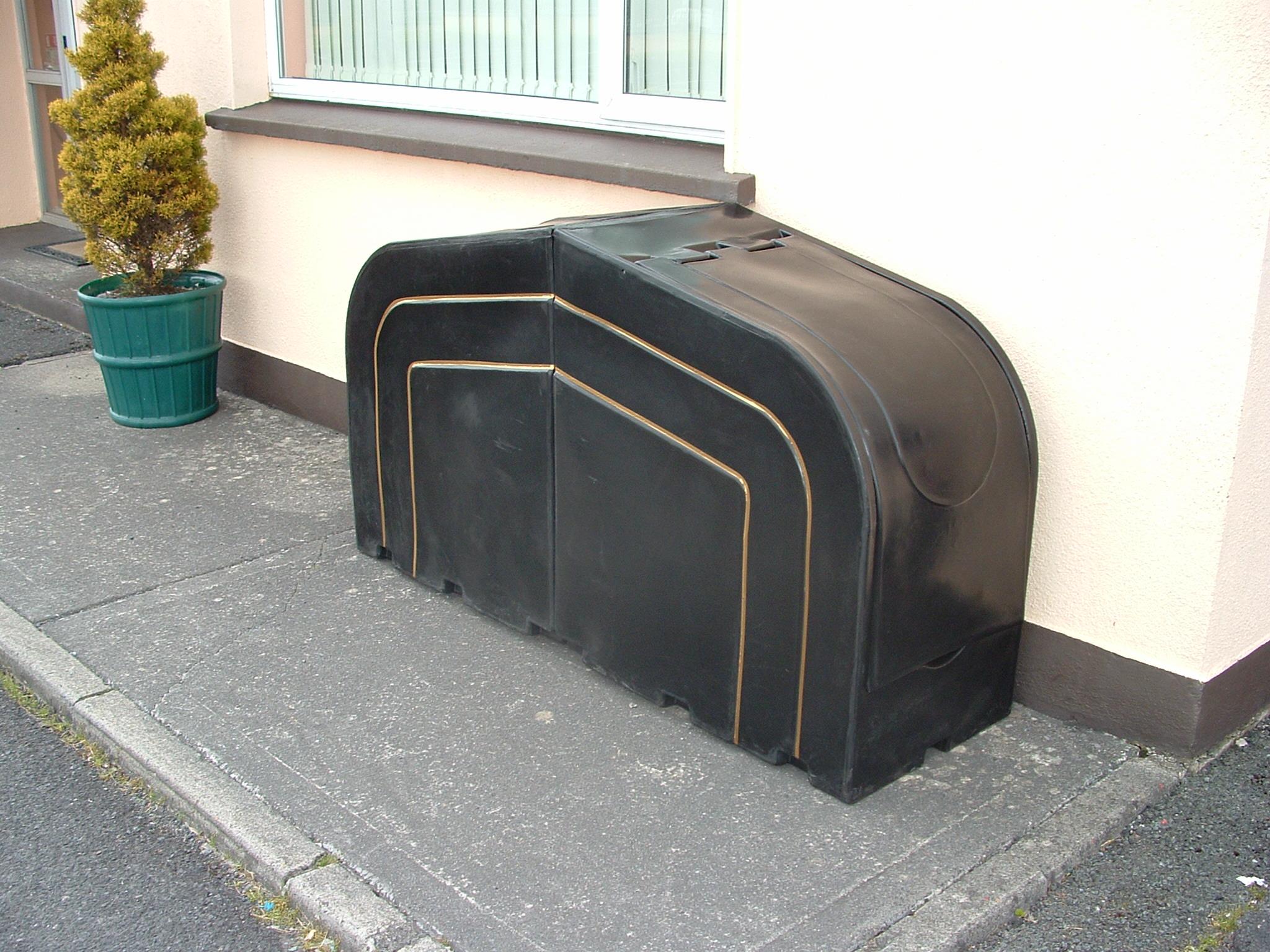 Newspaper storage unit